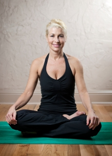 Sarah Paxton_Pilates in Studio_3377_5x7