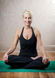 Sarah Paxton_Pilates in Studio_3377_5x7